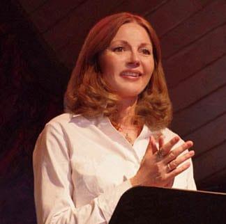 Eliza Cross | Professional Speaker