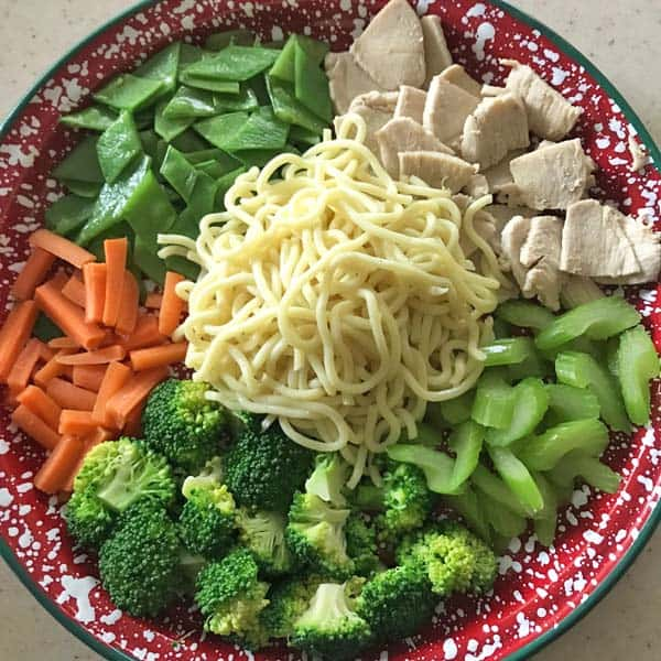 Vegetables and chicken for ramen
